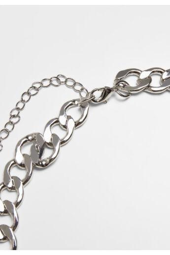 ezüst színű nyaklánc