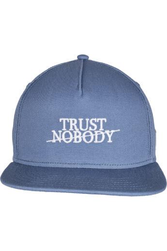 """Hímzett """"Trust Nobody"""" snapback"""