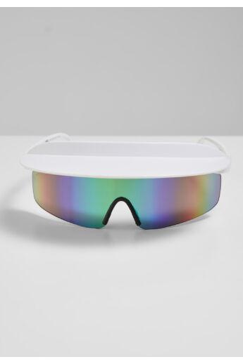 divatos napszemüveg napellenzővel