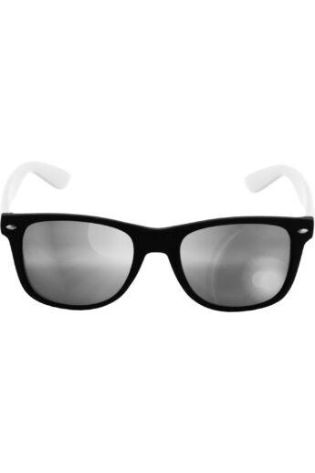 Divatos fekete-fehér modern napszemüveg
